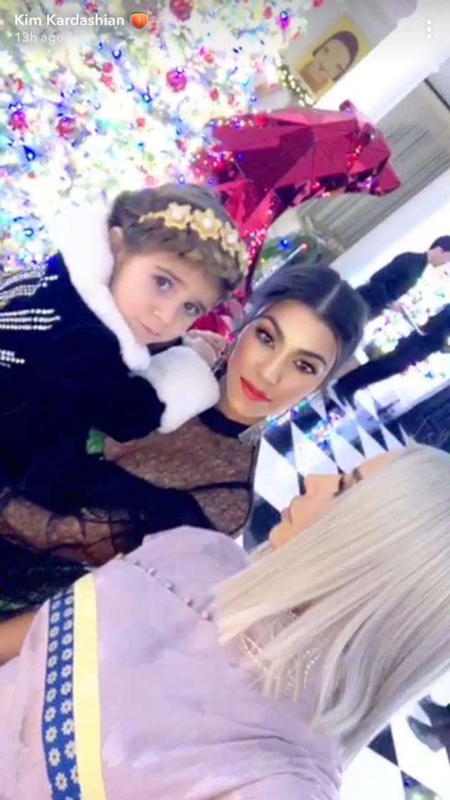 Ким Кардашьян: новое эффектное появление в винтажном платье от Dior