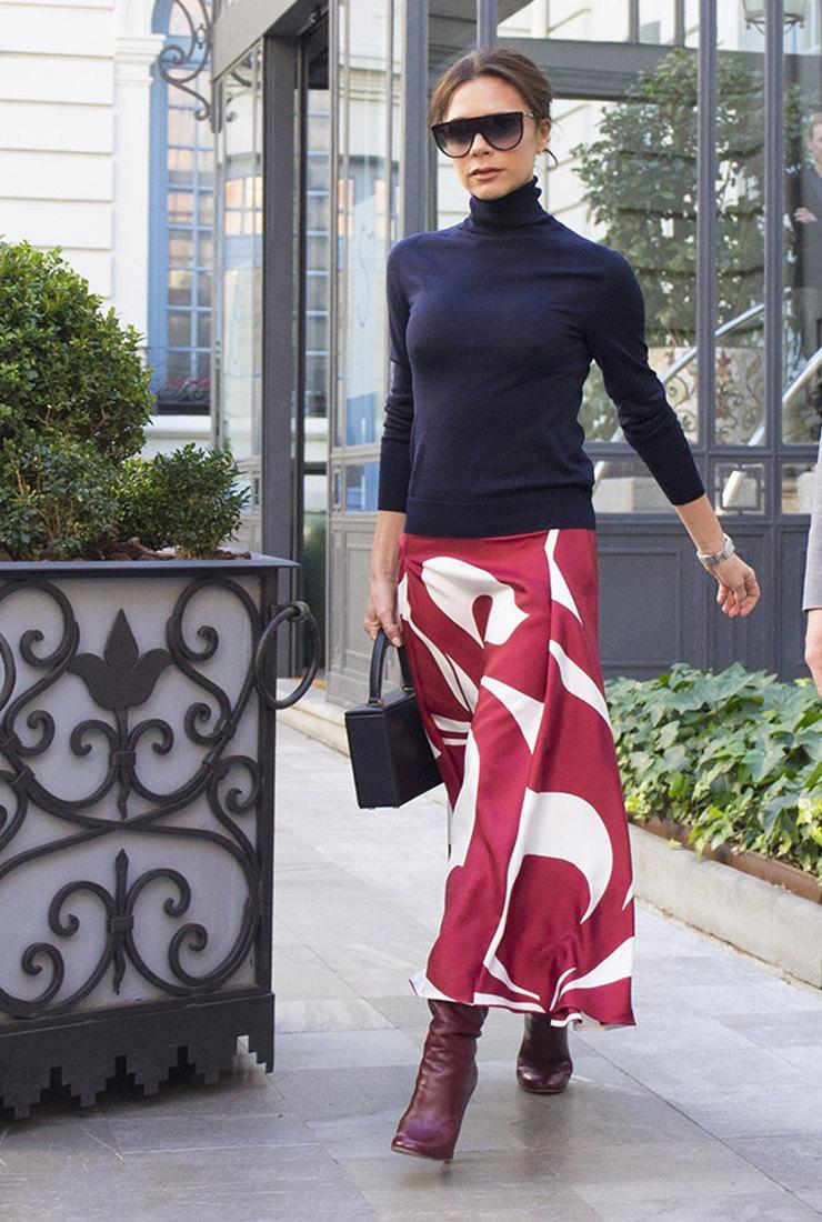 Удачный верх: 5 любимых вещей Виктории Бэкхэм — от топа до блузы