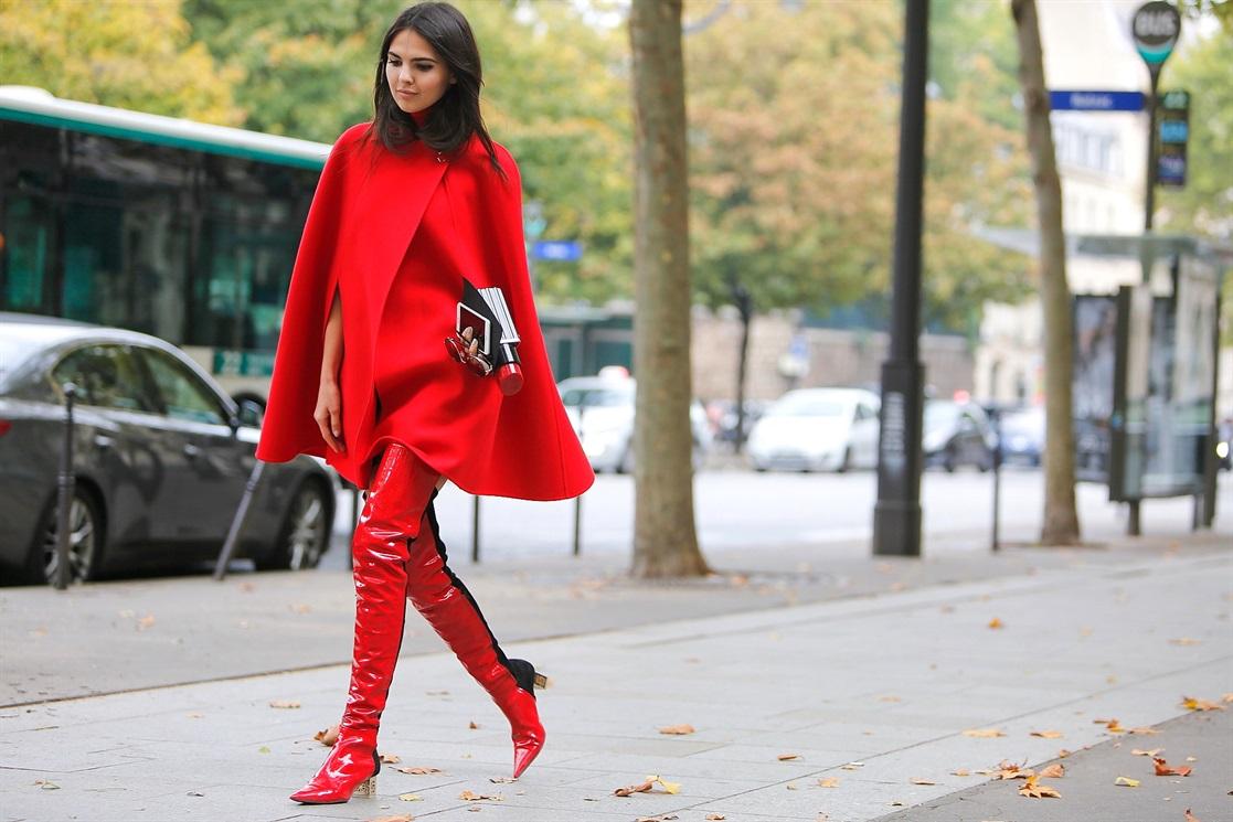 Провокация года: 10 ультра-модных образов с красными ботфортами