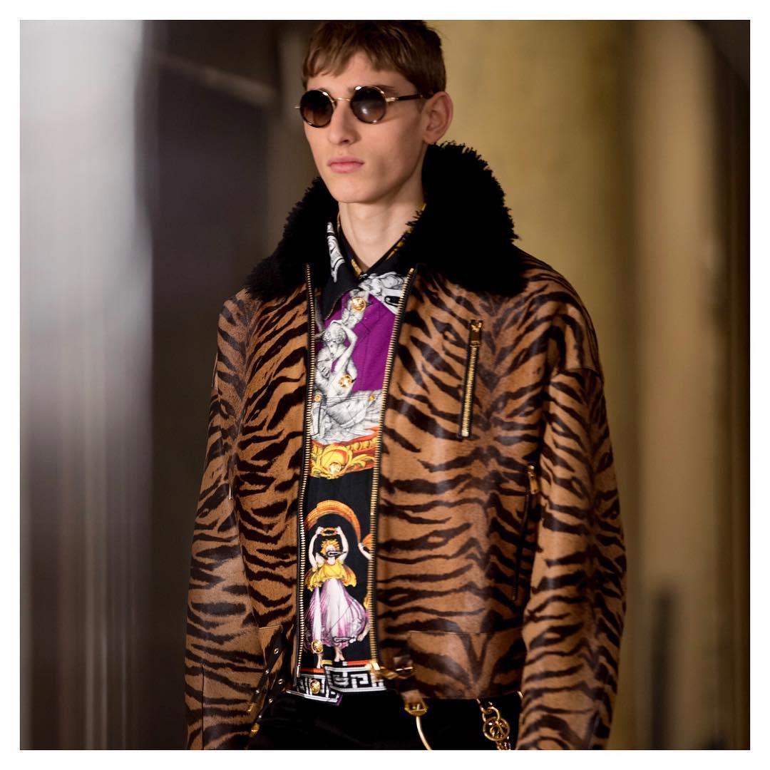 А теперь и Versace: еще один модный бренд отказался от меха