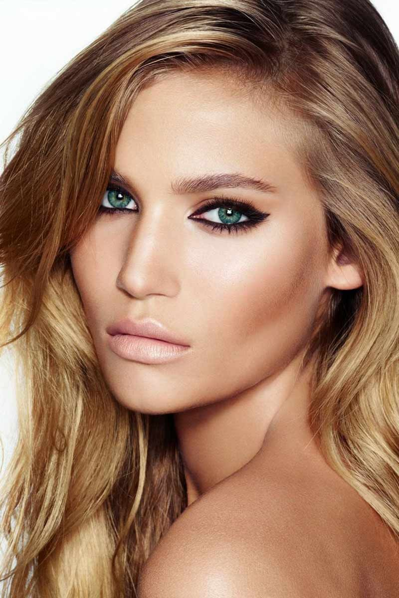 8 главных ошибок в макияже, которые точно испортят ваше фото