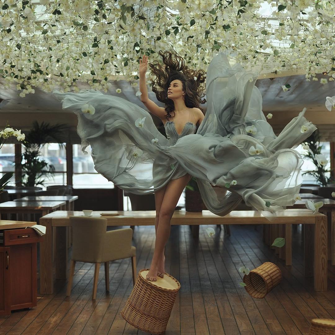 4 самых женственных образов Виктории Дайнеко. Ведь умеет же!
