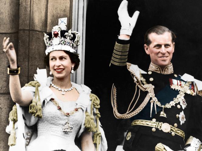 Помада для королевы — от какого оттенка сходит с ума Елизавета II и почему