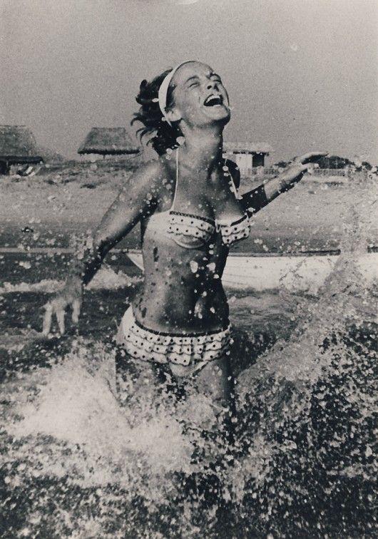 15 пляжных образов от культовых актрис XX века, которые актуальны даже сегодня