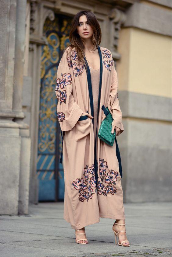 Восток — дело тонкое: 13 безумно женственных образов с кимоно