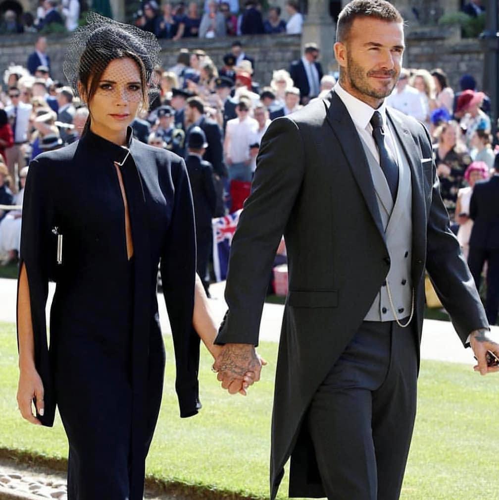 Почему семья Бэкхем нарушила дресс-код на королевской свадьбе — соцсети негодуют!