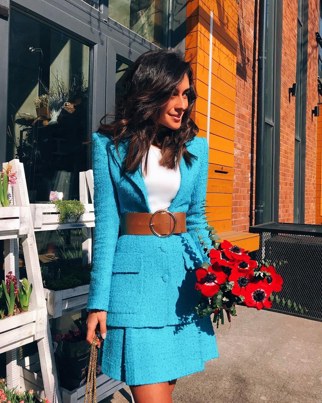 Сама женственность: 12 сногсшибательных образов в нежно-голубом цвете