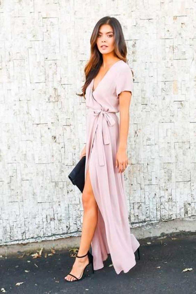 9 красивых платьев с запахом, которые помогут скрыть недостатки фигуры