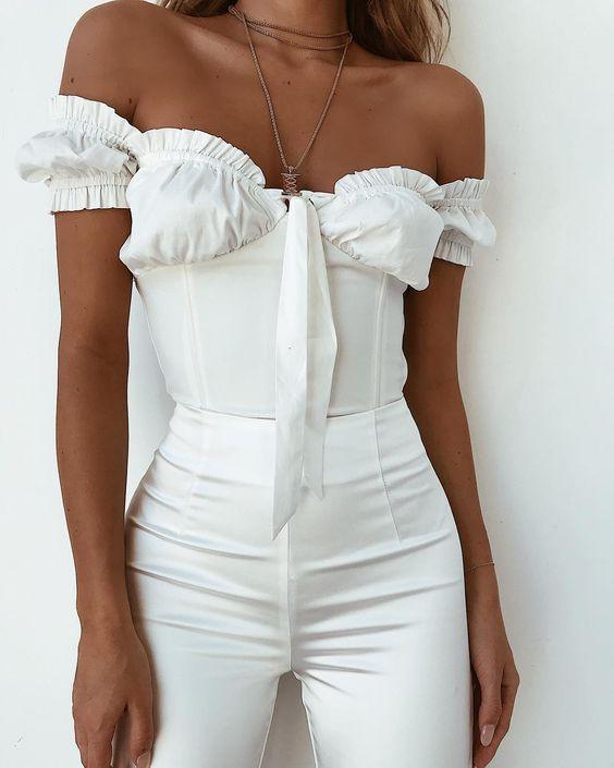 Как ухаживать за белыми вещами летом, чтобы они всегда сияли: 5 лайфхаков