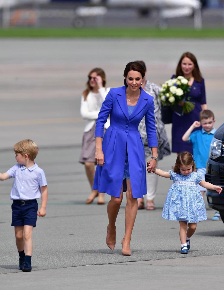 9 образов Кейт Миддлтон и принцессы Шарлотты, которые вам захочется повторить