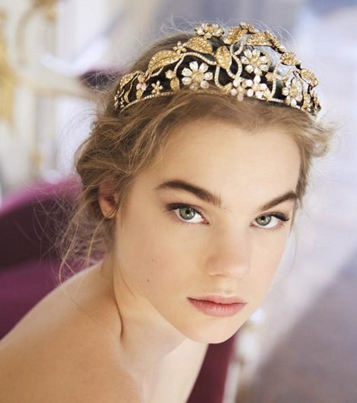 Уже не модно: 6 украшений, которые вы должны оставить в далеком 2012