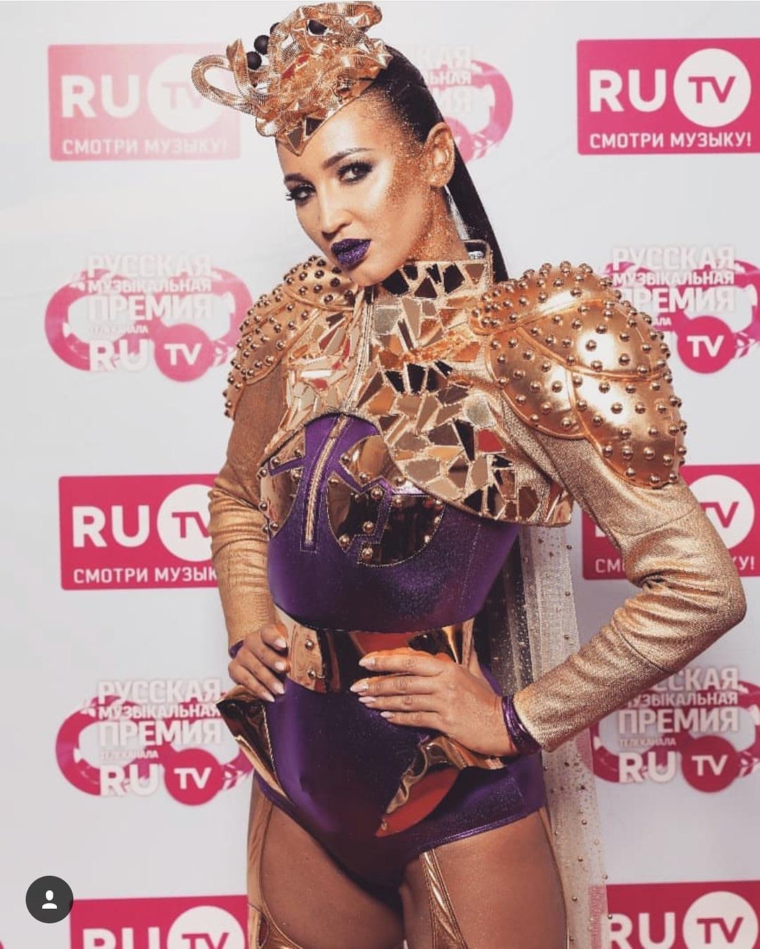 Дух Агузаровой: самый странный образ Ольги Бузовой на премии Ru.TV