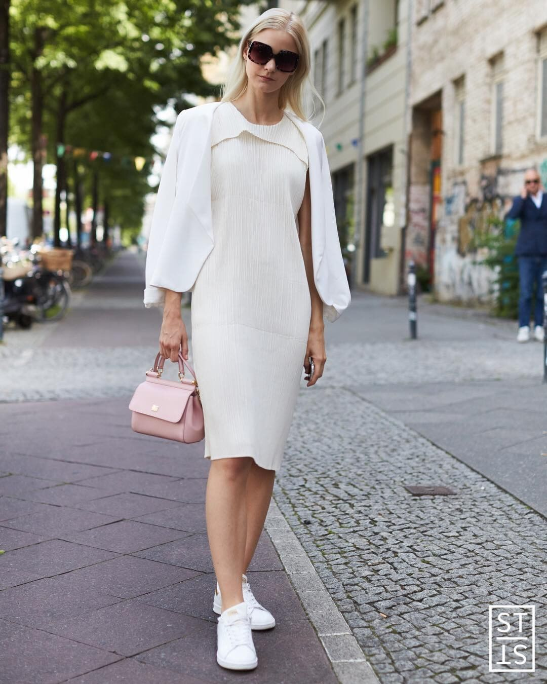 7 идей, как одеваться в стиле минимализм и выглядеть роскошно