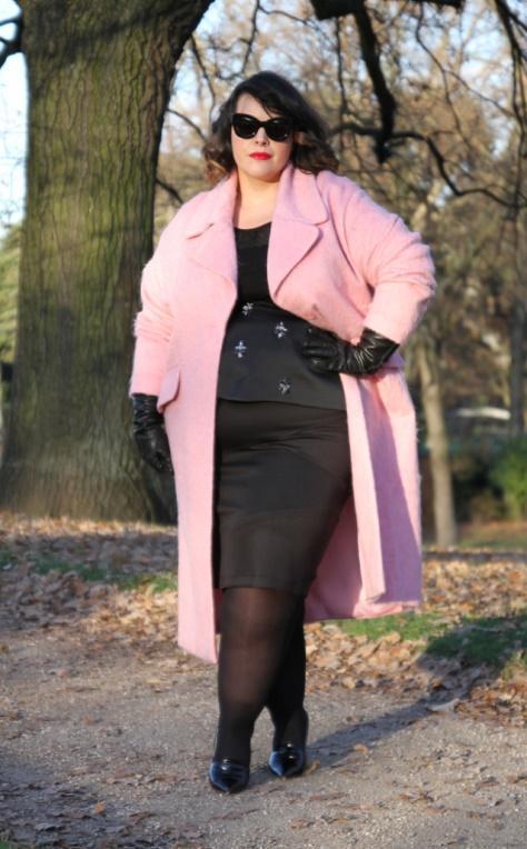 12 стильных пальто для пышных женщин на осень 2018