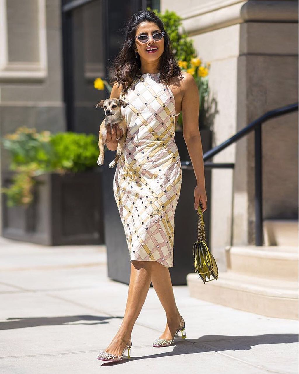 Женщина, которая в любом весе выглядит потрясающе: 16 самых стильных образов Приянки Чопры