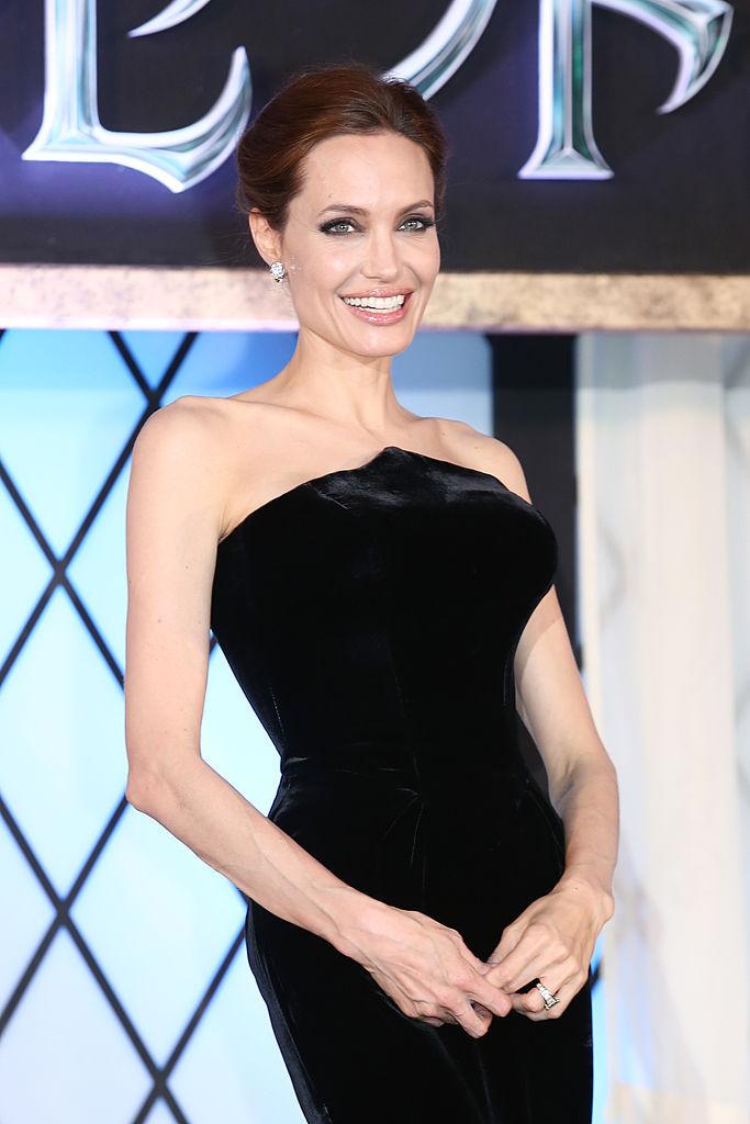Дива стиля: как поменялся стиль Анджелины Джоли за последних 19 лет
