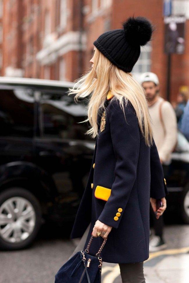 Утепляемся к зиме: 15 стильных шапок для тех, кто хочет быть в тренде