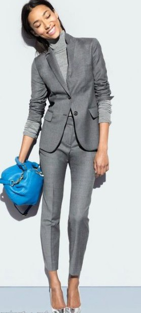 Благородный серый: 7 брючных костюмов, которые захочется купить