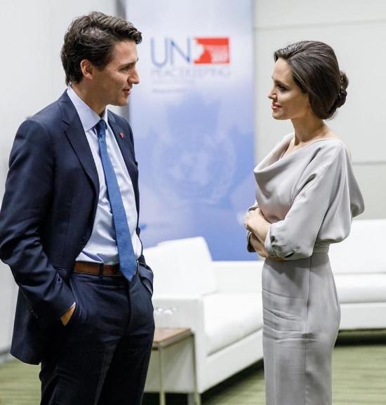 Анджелина Джоли на конференции ООН: ее образ покорил фанатов