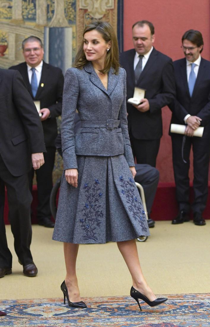 Нарушить дресс-код: королева Испании появилась в дерзком образе