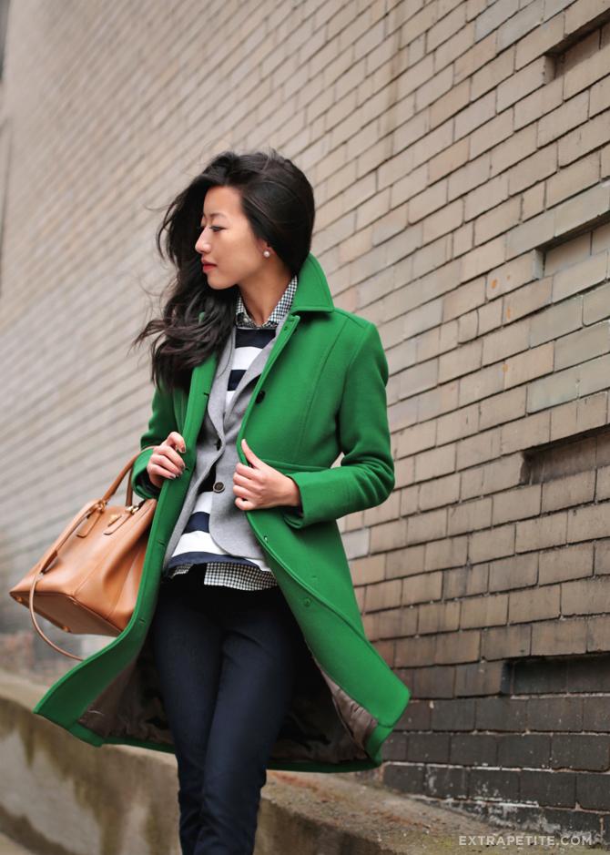 Синий и зеленый: 8 модных образов в трендовом сочетании