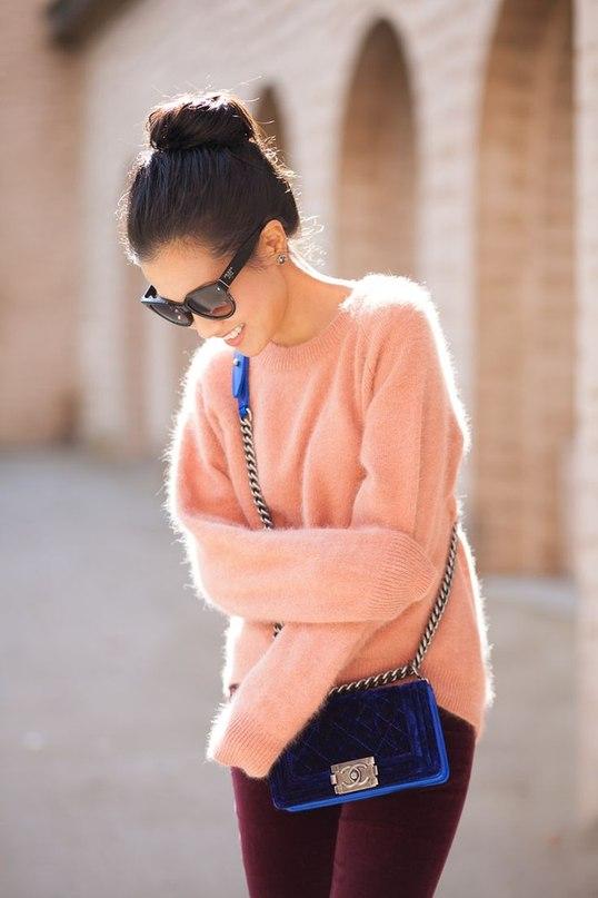 Уют в моду: 7 нежных образов с мягким свитером из ангоры