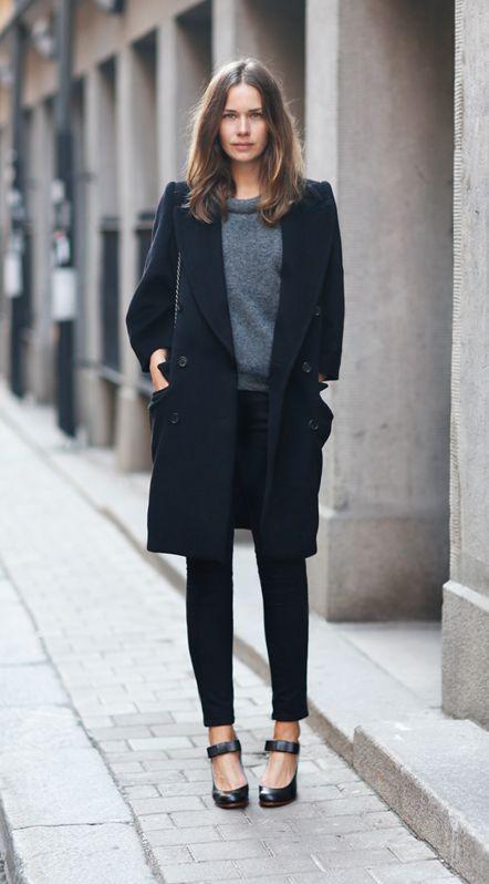 Элегантный черный: 8 осенних образов с пальто на любой вкус