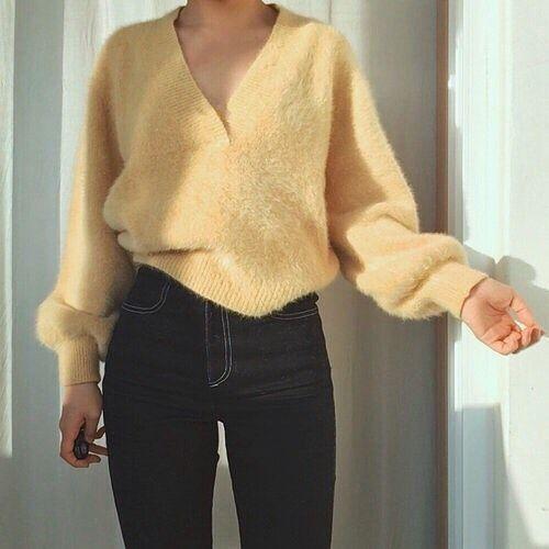 Уютно и комфортно: 8 модных свитеров для поздней осени