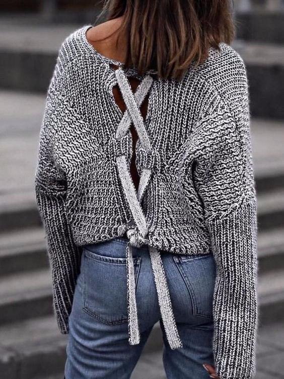 Sexy look: 8 оригинальных свитеров с открытой спинкой