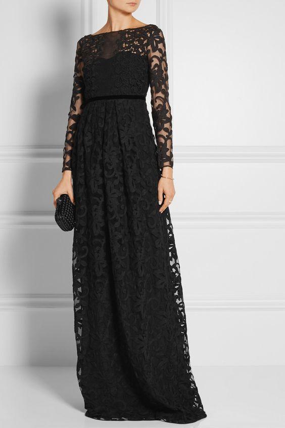 Для особого случая: 10 вечерних образов с черным платьем
