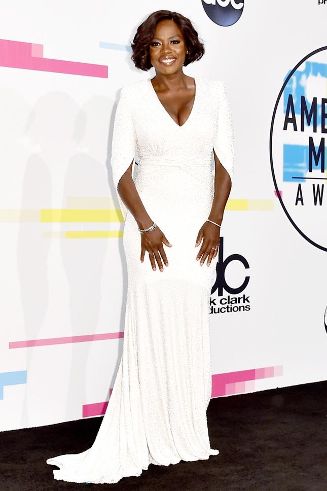 Парад звезд: 10 самых стильных гостей American Music Awards 2017