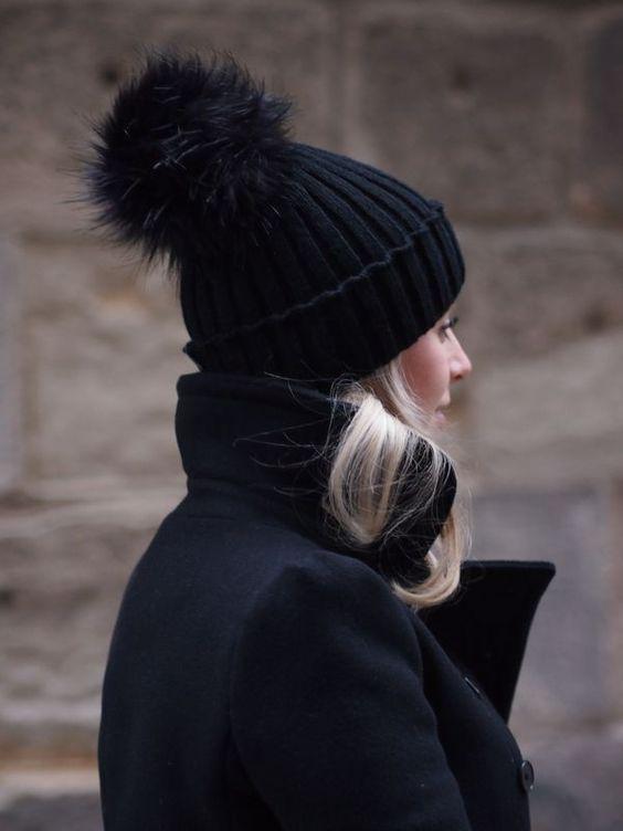 Какие шапки будут в тренде зимой: 4 топовых варианта