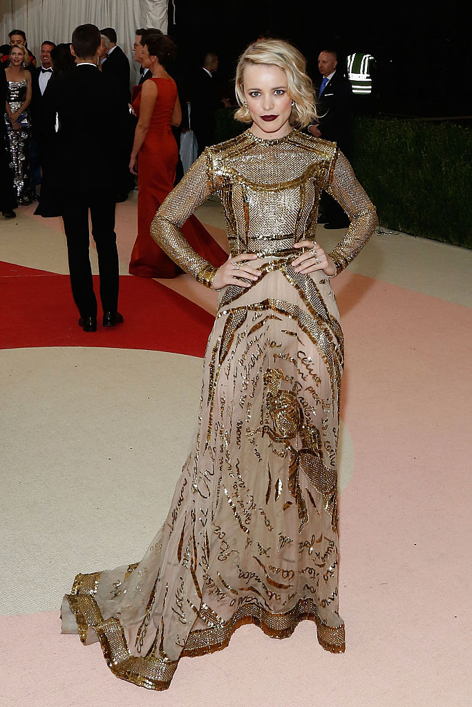 Дерзко и утонченно: 12 самых красивых платьев Рейчел Макадамс