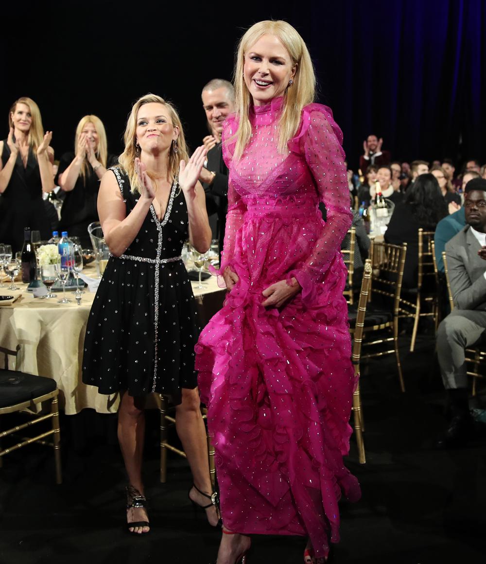 Как заставить розовый цвет играть на себя: эффектный выход Николь Кидман