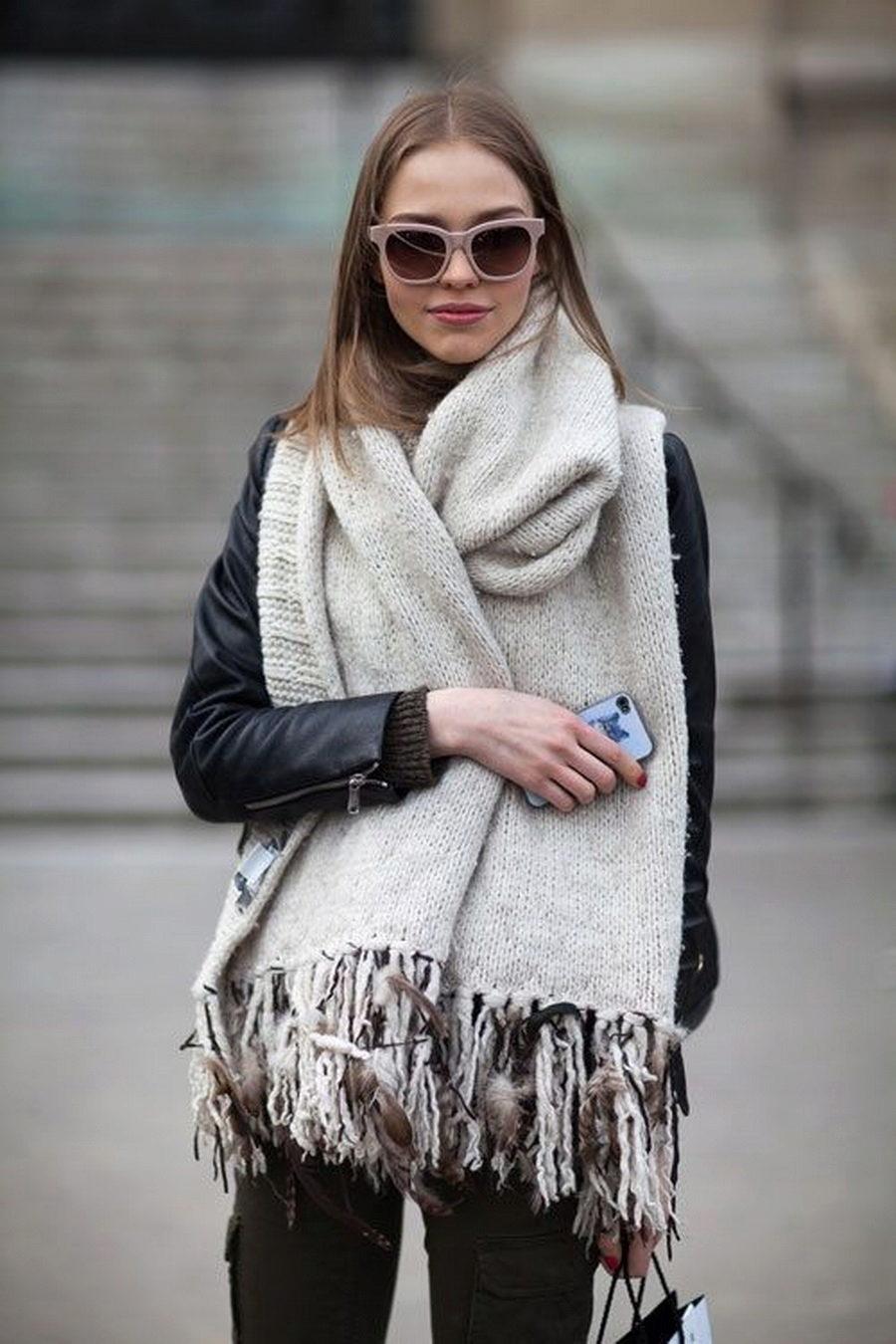 Мой теплый друг: 6 стильных способов носить обьемные шарфы