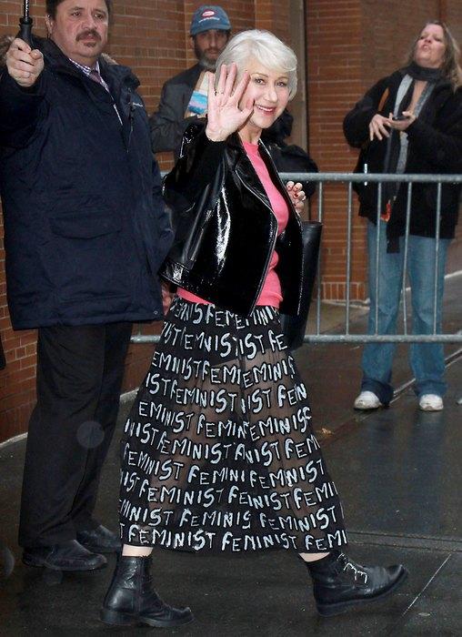 Без комплексов: Хипстерский образ Хелен Миллер с прозрачной юбкой