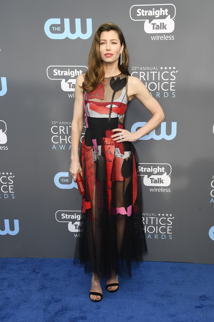 Лучший звездный образ на церемонии Critics Choice Awards 2018