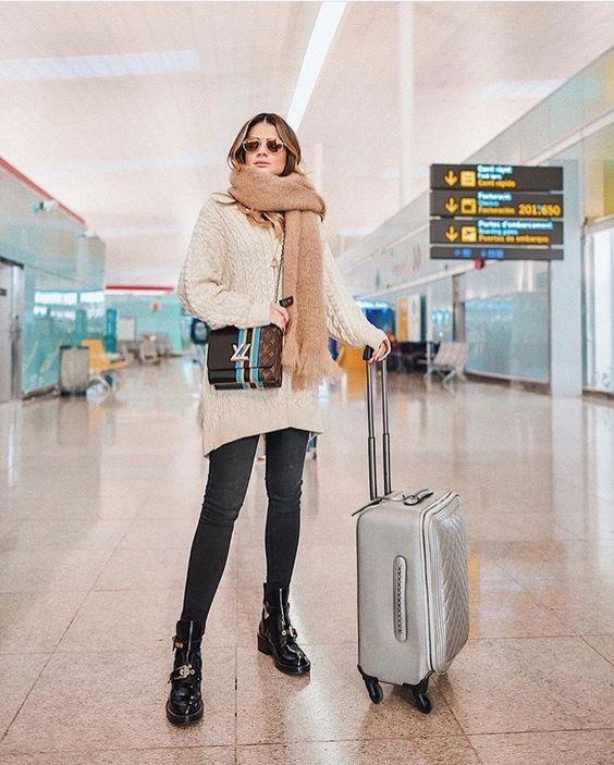 В аэропорту как дома: 10 стильных идей, в чем лететь в самолете