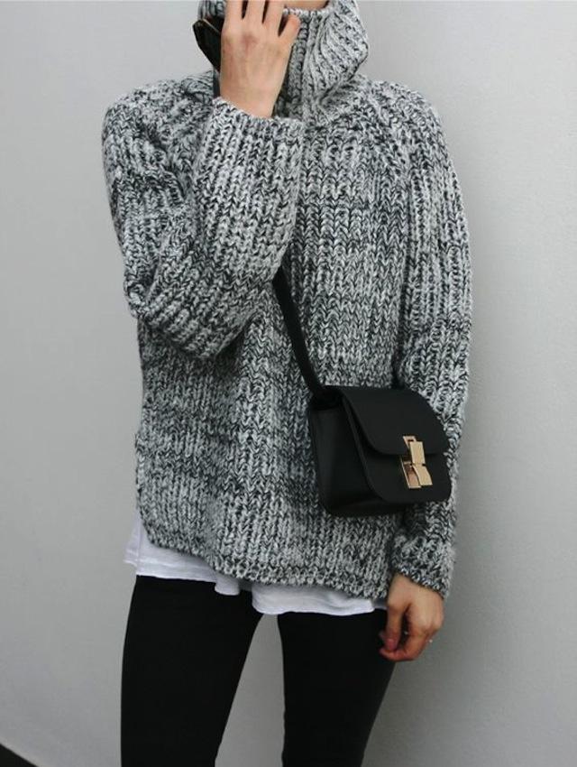 На все времена: 7 зимних образов с уютным свитером