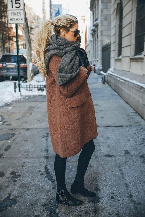 Этюд в коричневых тонах: 6 уютных образов для зимы