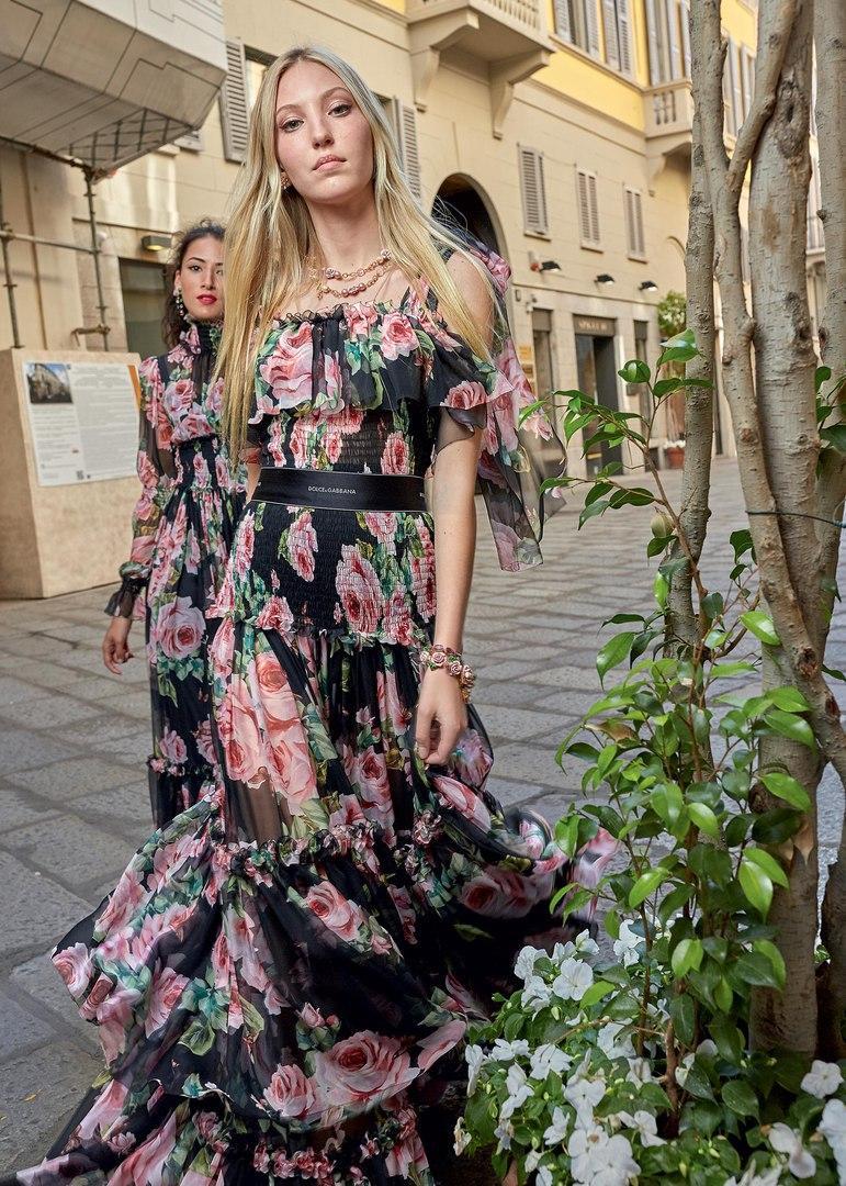 Коллекция Dolce Gabbana SS 2018: любовь, сердца и много цветов