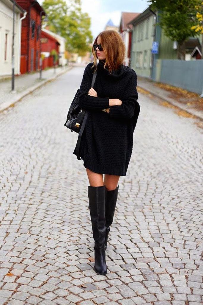 Стильная база на зиму: 7 образов с платьем-свитером и ботфортами