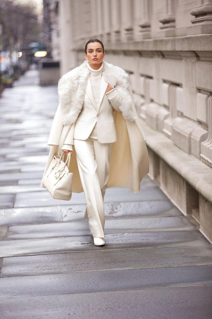 Ослепительный Total-White: 7 способов носить белый цвет зимой