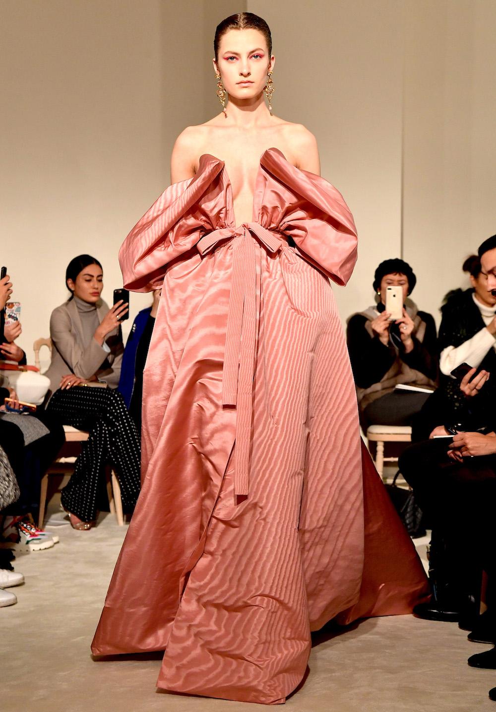 Цветочная поляна: новая коллекция Valentino Haute Couture SS'18