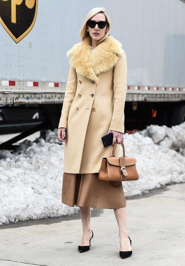 Меховой воротник на пальто: носить, перешить или выбросить?