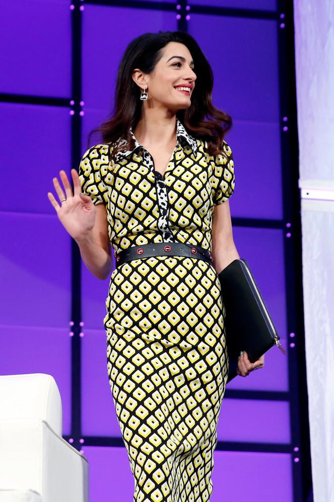 Самый красивый юрист США: Амаль Клуни показала яркий весенний образ