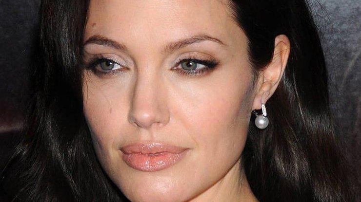 Почему на Оскаре не было Анджелины Джоли и ее знаменитой ноги
