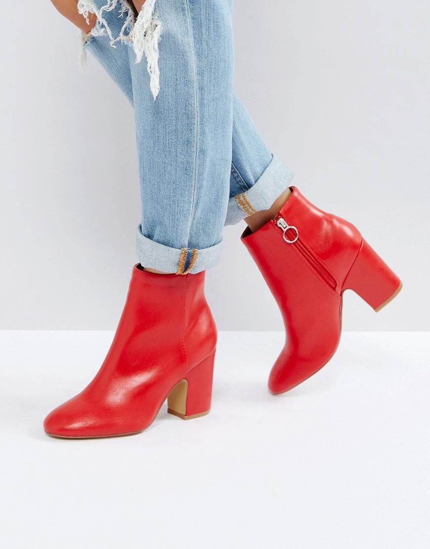 Красный в твоем гардеробе: 7 вещей с ASOS, о покупке которых вы не пожалеете