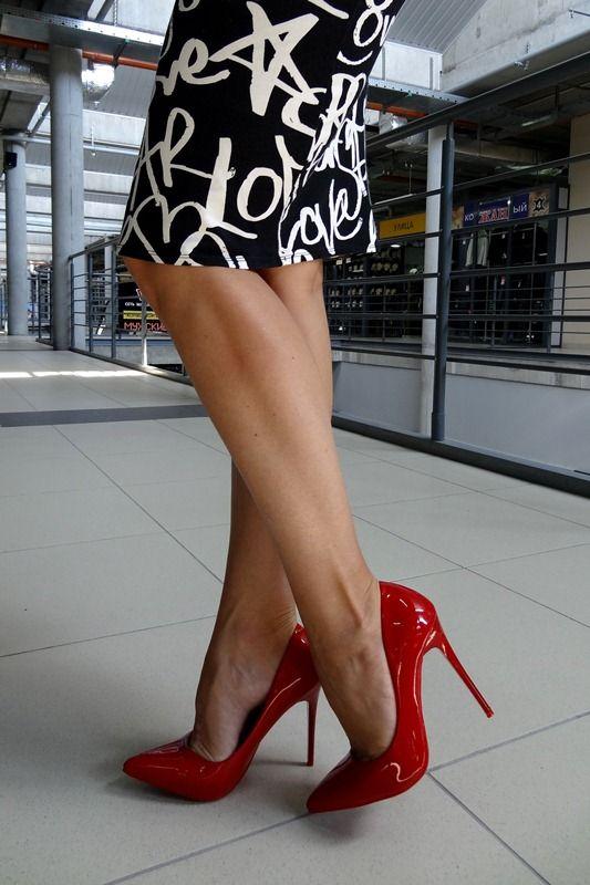 4 пары женской обуви, которые сводят мужчин с ума