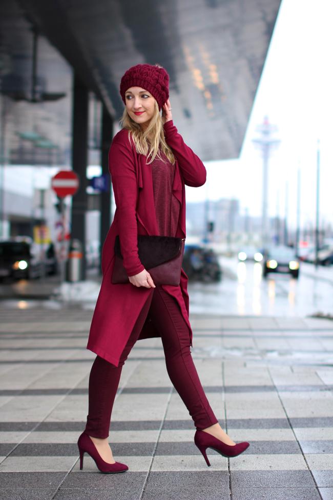 Экспрессивная и сочная: как носить красную грушу весной 2018